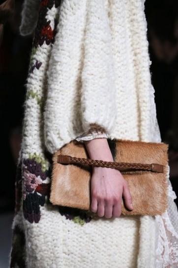 wide-strap-clutch-in-pelliccia-di-valentino