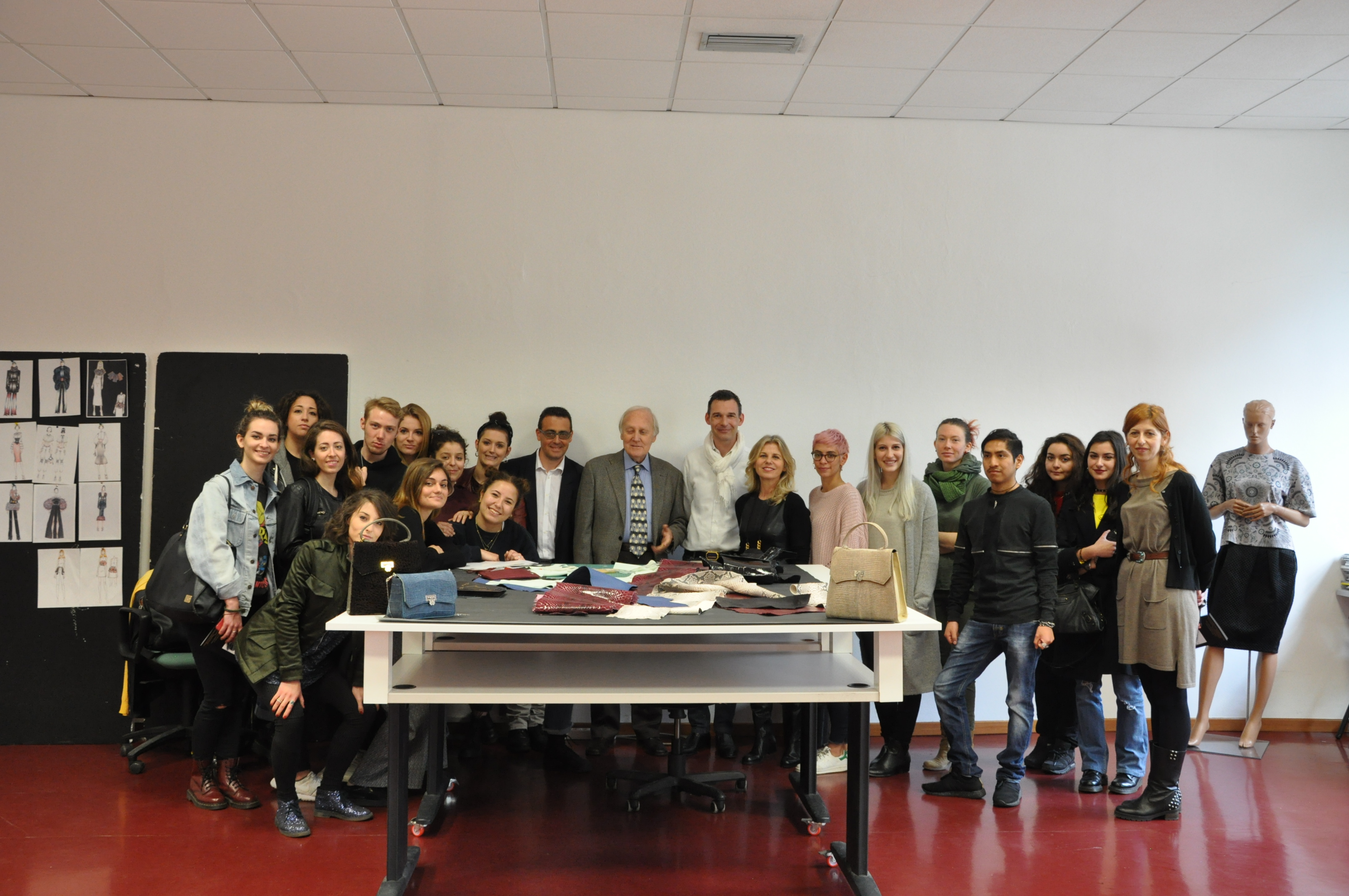 Fvcina in cattedra al mks milano fashion school for Milano fashion school